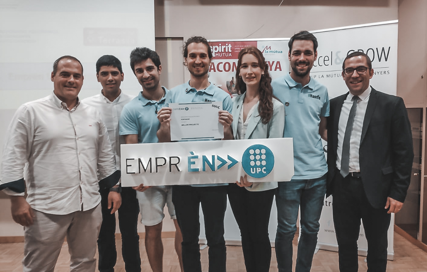 uHandle wins the UPC contest DemoDay